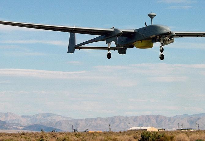 20-drony-patroluja-drogi-1